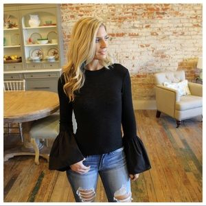 ✨RESTOCKED✨Black soft knit top with bell cuff